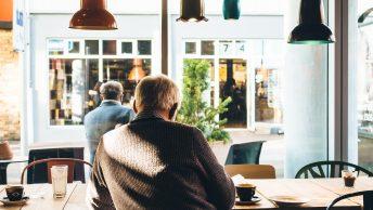 Aprender idiomas protege idosos do Alzheimer